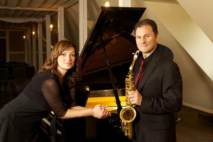 Frank Nowicky - Altsaxophon und Tenorsaxophon und Flöte Anna Ignatenko - Piano
